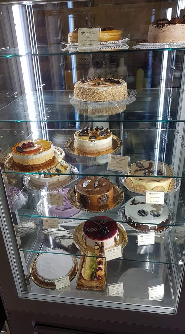 Always time for cake. Ask us about the mother of all cake stops and we will tell you about 5 Cake John !!!